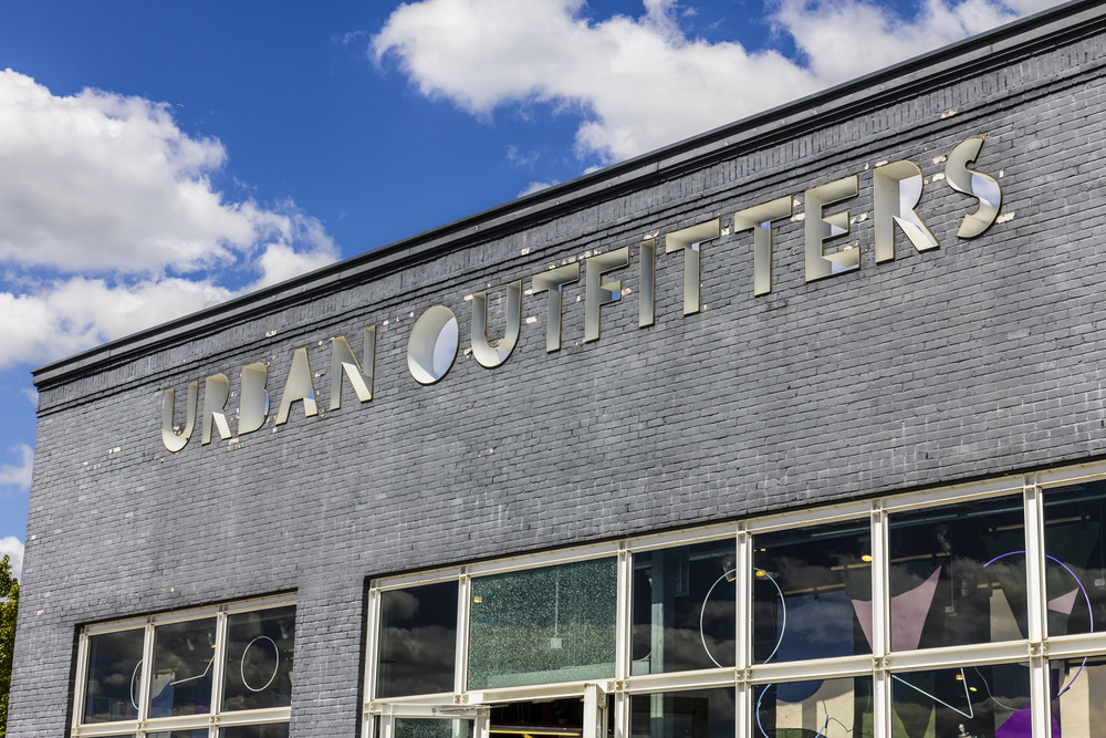 Urban Outfitters Inc  to build customer fulfillment center